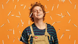 Mac DeMarco – Passing Out Pieces (Video)