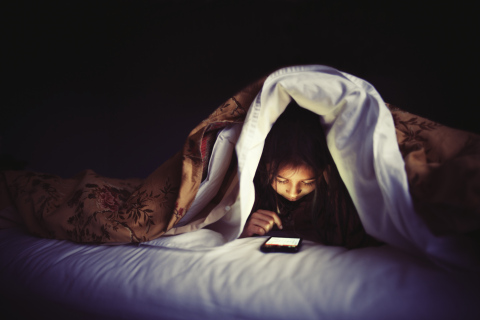 Smartphone usage at night decreases energy levels the next day