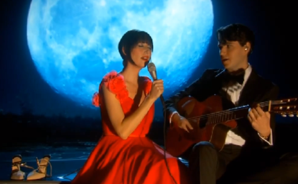 Karen O and Ezra Koenig - The Moon Song
