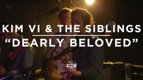 "VIDEO PREMIERE: Kim Vi & The Siblings – ""Dearly Beloved"" (Live @ Mac's Bar)"