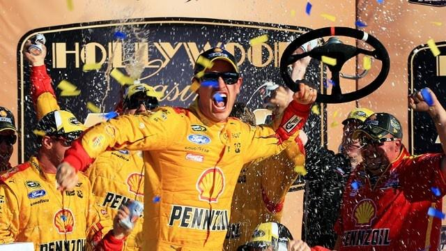 Logano+Stays+Hot%2C+Wins+Second-Straight+Chase+Race
