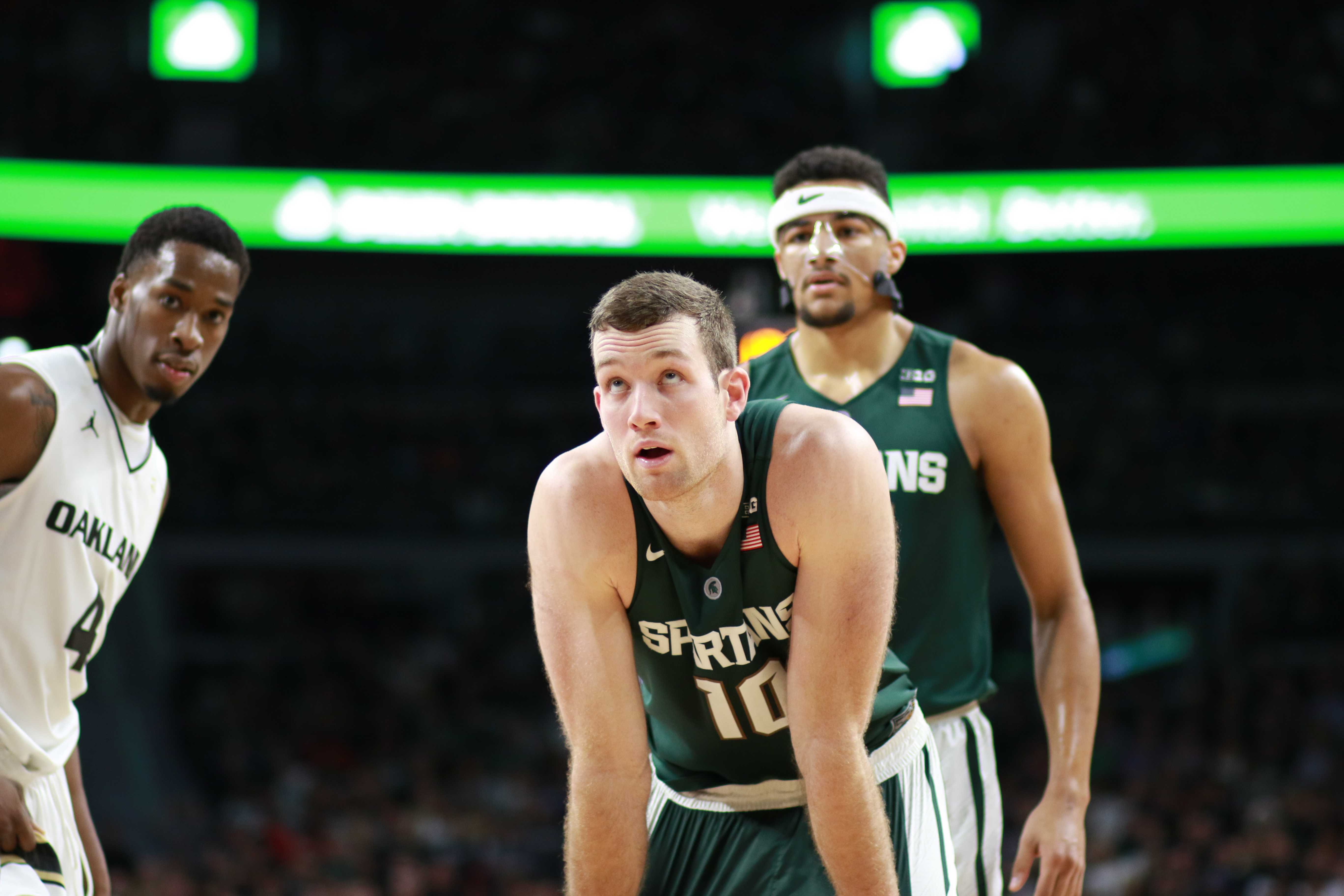 Spartans End Losing Skid in Front of Deafening Breslin Crowd
