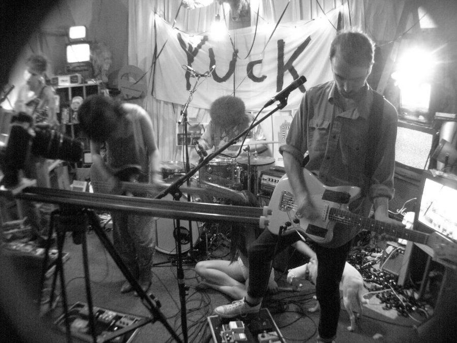 Yuck+at+The+Loving+Touch+%7C+4.7.16