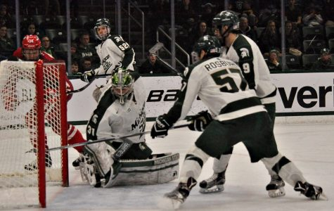 Spartans Lose 4-3 to Wisconsin Despite Strong Performance