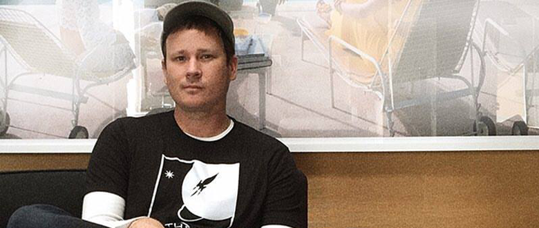 Tom Delonge Announces