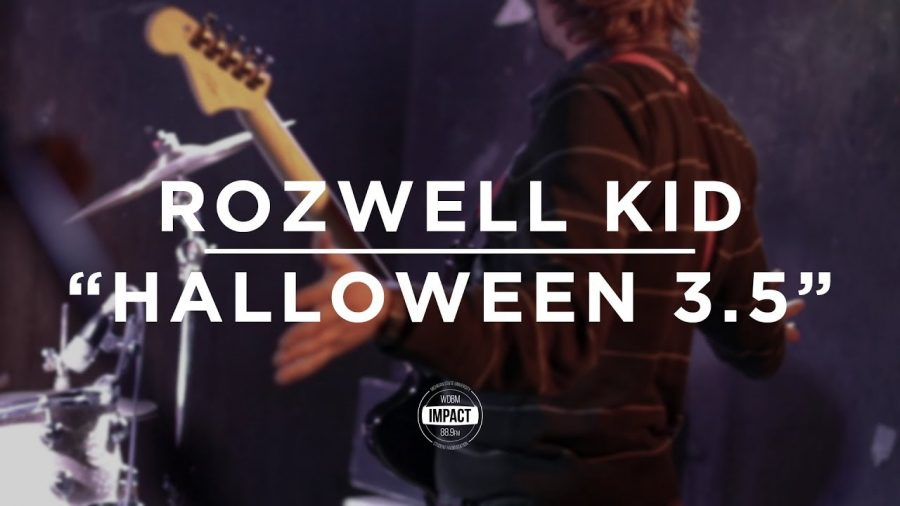 "Rozwell Kid – ""Halloween 3.5"" (Live @ Mac's Bar)"