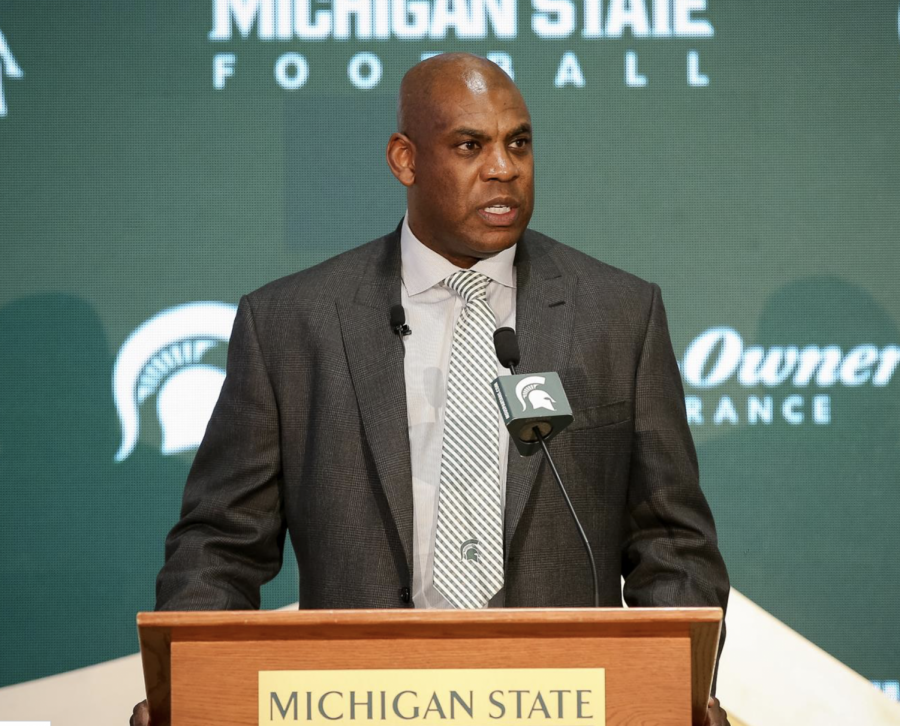 Michigan State football coach Mel Tucker with team. (Photo: MSU Athletic Communications)