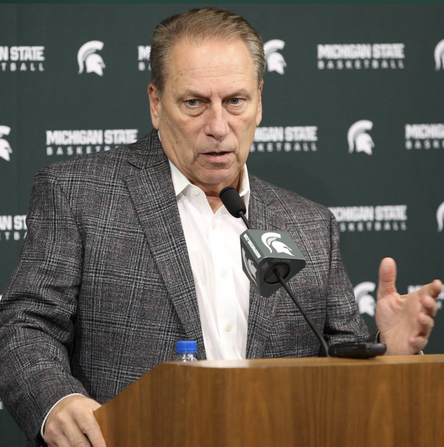 Tom+Izzo+talks+to+the+media%2F+Photo+Credit%3A+MSU+Athletic+Communications