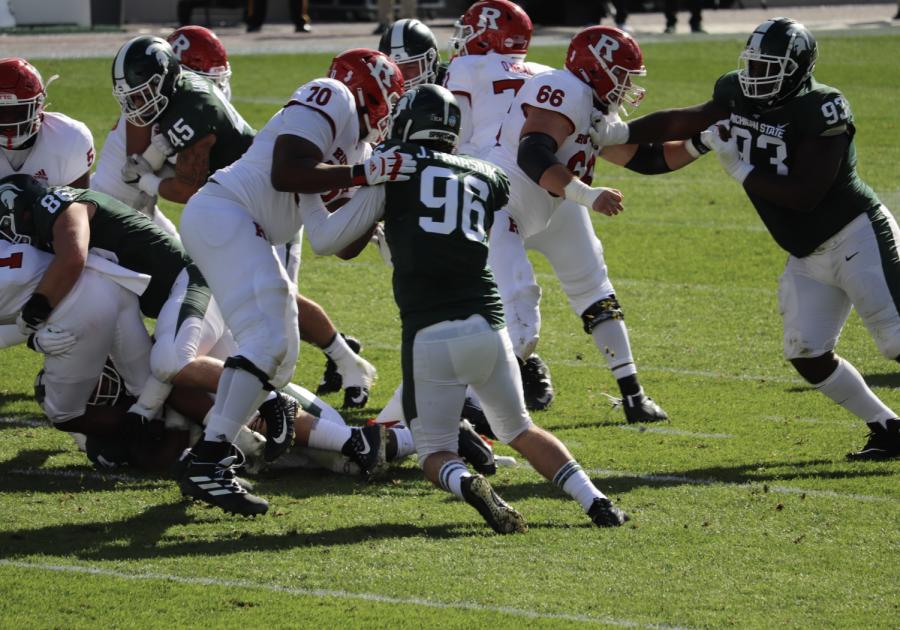Jacub Panasiuk battles at defensive end vs. Rutgers/ Photo Credit: Ian Gilmour WDBM