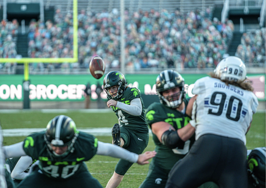 Matt Coughlin makes a late field goal as MSU upsets Northwestern 29-20/ Photo Credit: MSU Athletic Communications