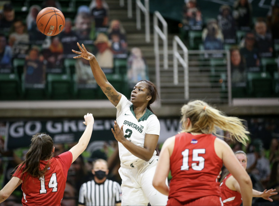Mardrekia+Cook+attempts+a+pass+against+St.+Francis%2F+Photo+Credit%3A+MSU+Athletic+Communications%0A