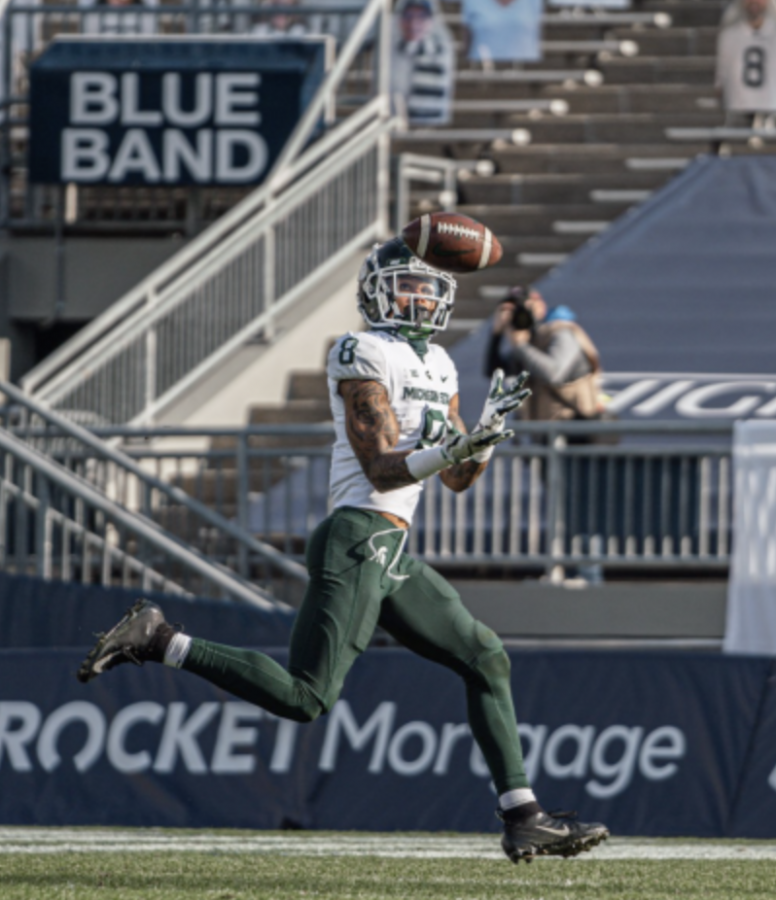 Jalen+Nailor+catches+a+45-yard+touchdown+pass+from+Payton+Thorne%2F+Photo+Credit%3A+MSU+Athletic+Communications%0A