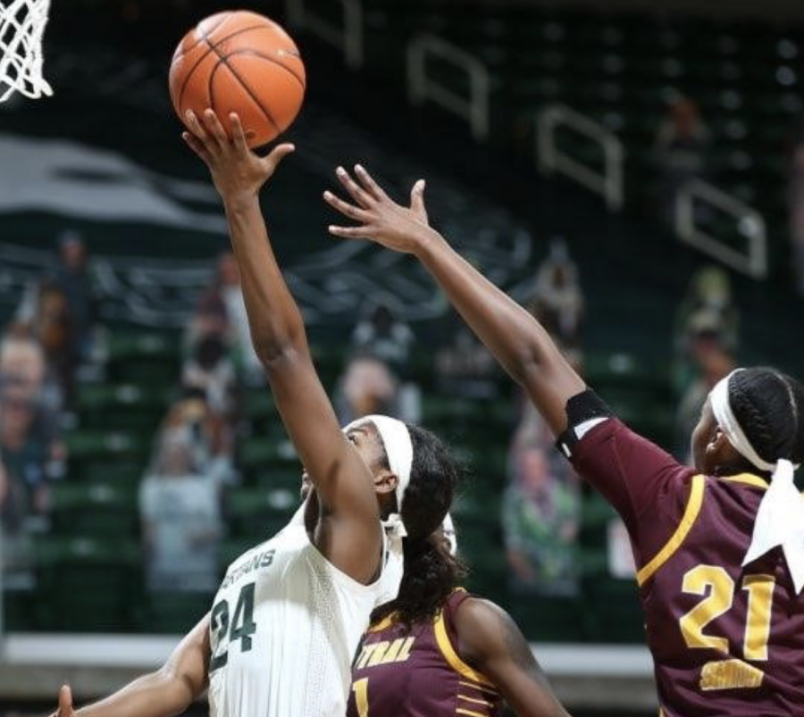 Nia Clouden attempts a layup against CMU C Jahari Smith/ Photo Credit: MSU Athletic Communications