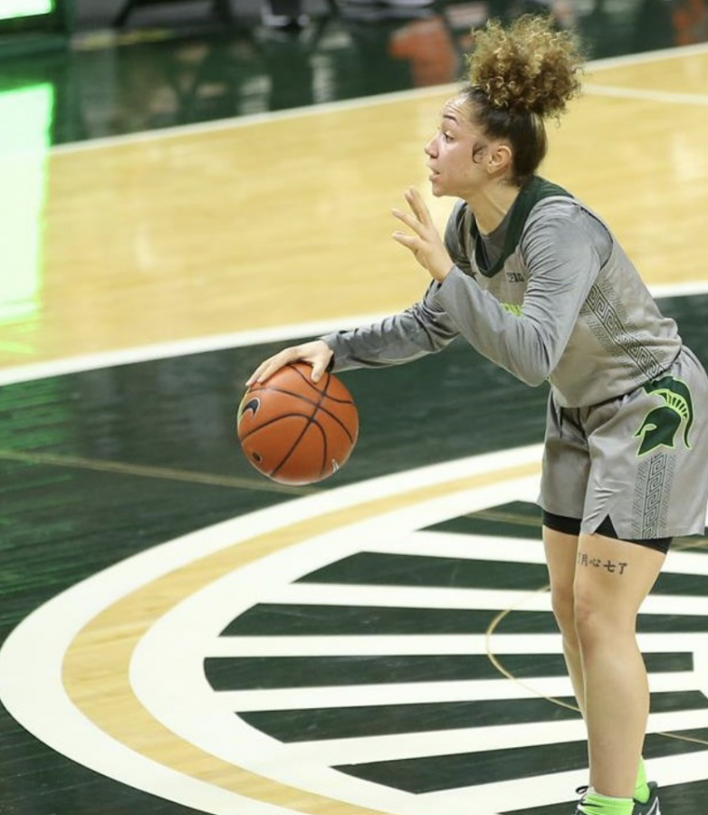 Alyza Winston shouts out a play during a game/ Photo Credit: MSU Athletic Communications