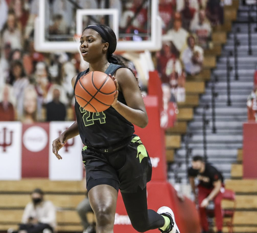 Nia+Clouden+dribbles+in+the+Spartans+79-67+loss+to+No.+16+Indiana%2F+Photo+Credit%3A+Indiana+Athletics%0A