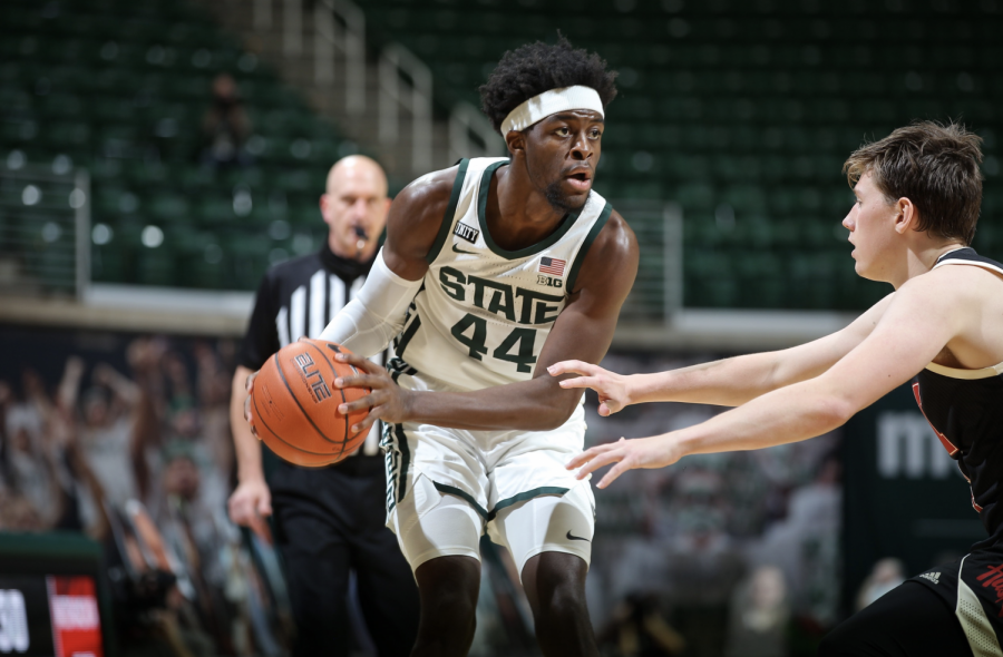 Gabe+Brown+looks+for+an+open+teammate+against+Nebraska%2F+Photo+Credit%3A+MSU+Athletic+Communications%0A%0A%0A%0A