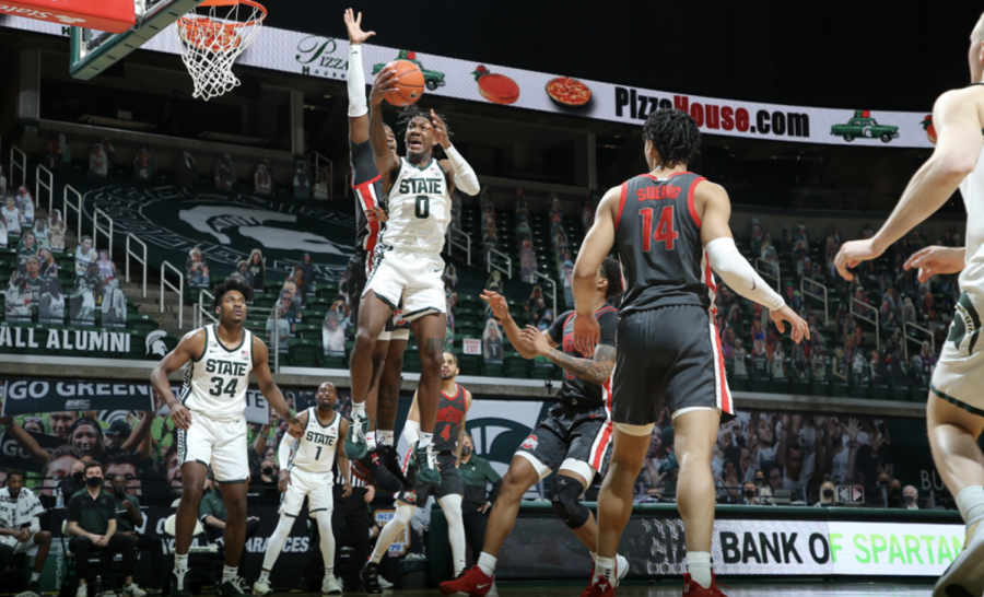 Aaron+Henry+skies+for+a+layup+in+the+Spartans%27+71-67+win+over+No.+4+Ohio+State%2F+Photo+Credit%3A+MSU+Athletic+Communications+%0A%0A