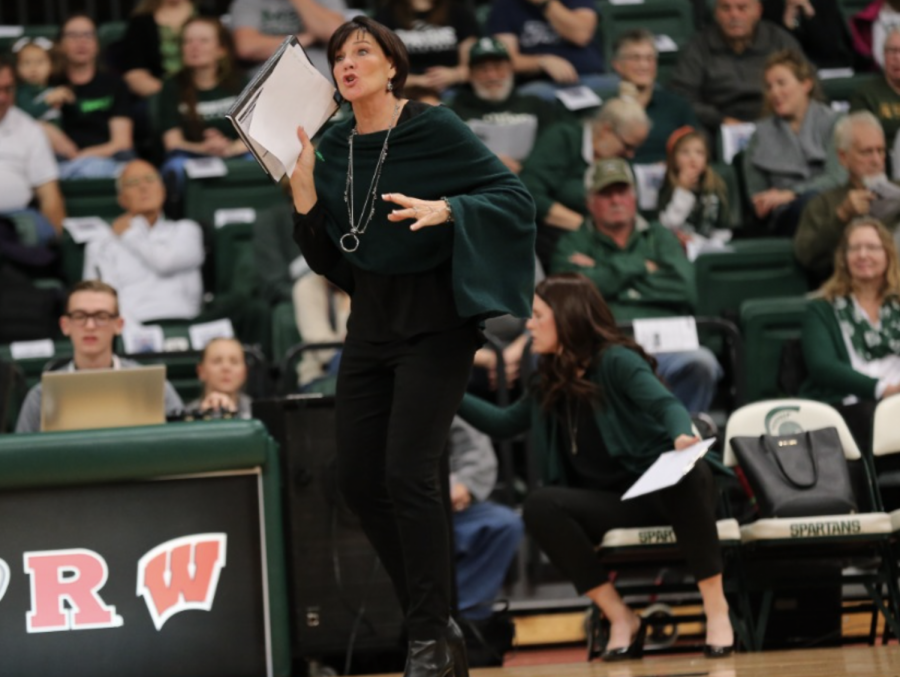 MSU head coach Cathy George instructs her team during a game/ Photo Credit: MSU Athletic Communications