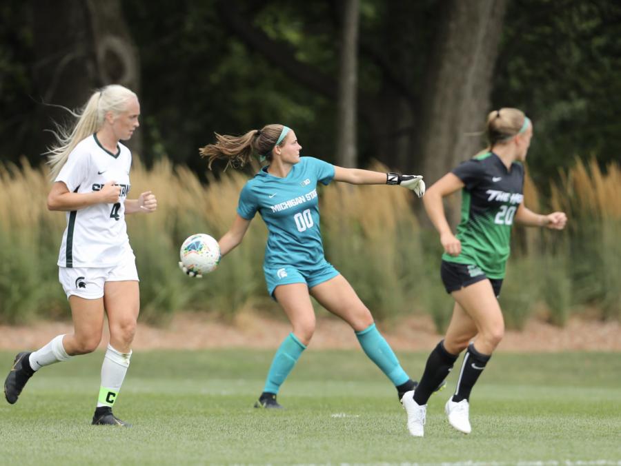 MSU goaltender Lauren Kozal makes a throw-in against Marshall on Aug. 25, 2019/ Photo Credit: MSU Athletic Communications