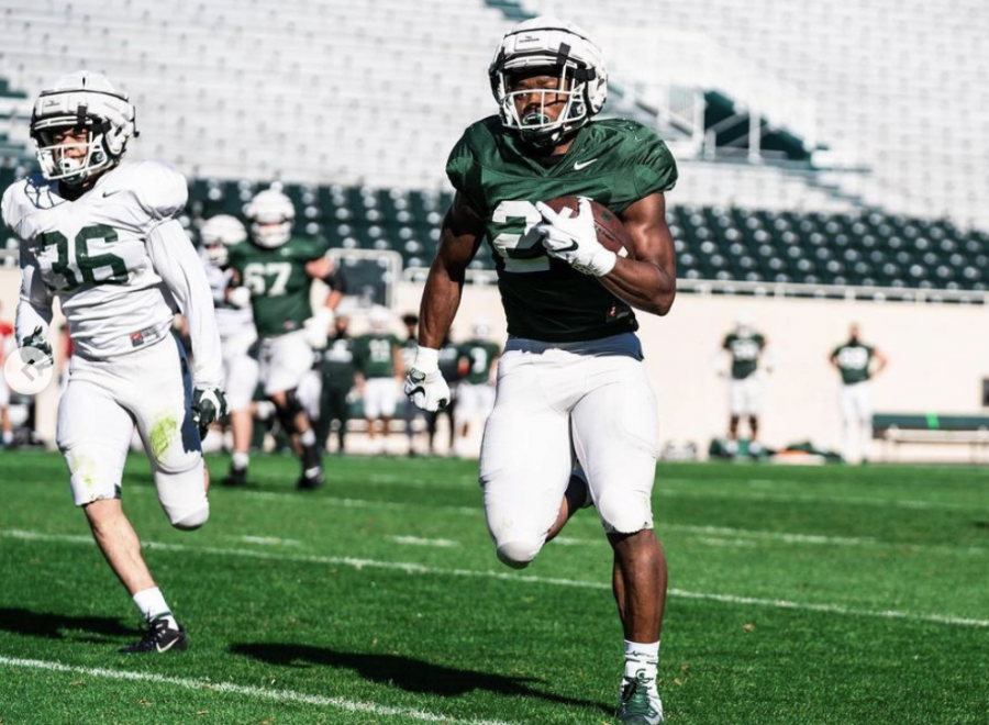 MSU+running+back+Elijah+Collins+breaks+free+in+the+2021+spring+game%2F+Photo+Credit%3A+MSU+Athletic+Communications+