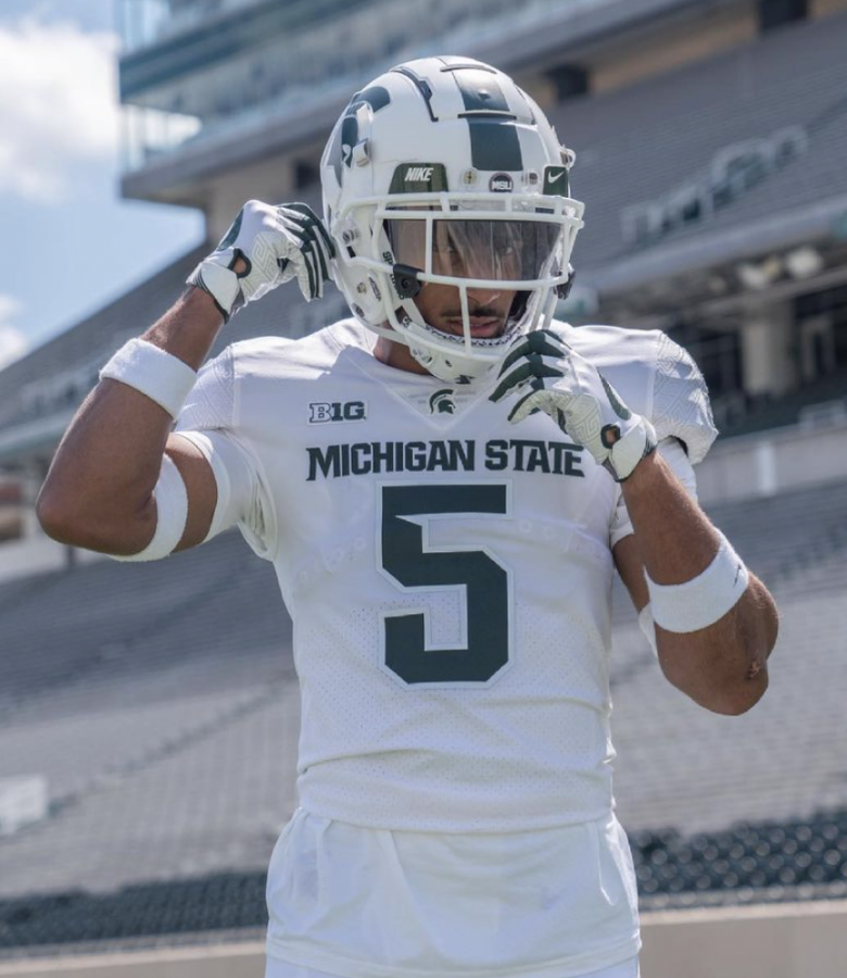 MSU+four-star+2022+commit+Dillon+Tatum+during+his+visit+to+East+Lansing+on+April+24%2F+Photo+Credit%3A+MSU+Athletic+Communications+