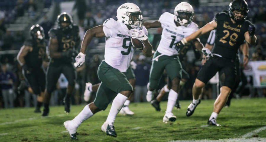 MSU+running+back+Kenneth+Walker+dashes+in+the+clear+against+Northwestern+on+Sept.+3%2F+Photo+Credit%3A+MSU+Athletic+Communications+