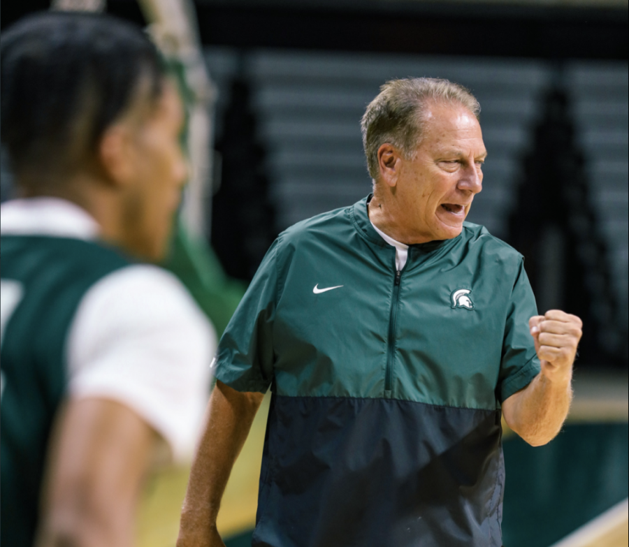 MSU+head+coach+Tom+Izzo+shouts+out+orders+during+the+first+day+of+2021+fall+practice%2F+Photo+Credit%3A+MSU+Athletic+Communications+